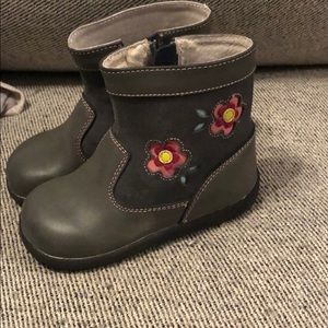 See Kai Run gray Boots with pink flower 8